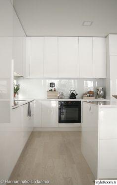 valkoinen,keittiö