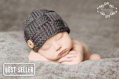 Armure de chapeau de bébé charbon de bois par cuteasababysbutton