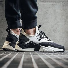 19363324a845 Nike Air Huarache Drift Nike Air Huarache