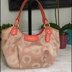 COACH SHOULDER BAG. .‼️NO TRADES‼️ Beautiful Brown and Orange Bag .. Big very roomy prelove it might need a little cleaning but in very good conditions Coach Bags Shoulder Bags