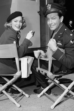 Eleanor Parker and Robert Taylor on the set of Above and Beyond