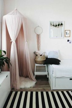 Cute Canopy Reading Nook Inspiration for Small Room is part of Canopy bed diy Reading your favorite book may be becoming your routine agenda in your daily activity, but having a nice spot to rea - Teenage Girl Bedrooms, Girls Bedroom, Girl Rooms, Diy Room Decor, Bedroom Decor, Home Decor, Bedroom Ideas, Bedroom Hacks, Bed Ideas