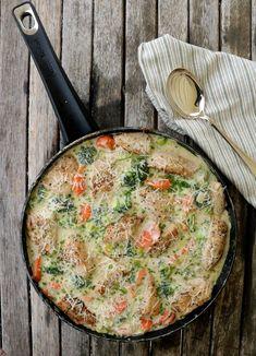 Kyllingpanne med krema parmesansaus - LINDASTUHAUG Quiche, Food And Drink, Turkey, Chicken, Baking, Dinner, Breakfast, Kitchen, Foodies