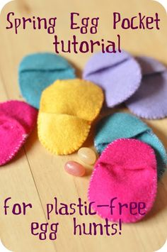 Easter- felt egg pockets: fun way to practice sewing and a nice alternative to plastic eggs! Easter Crafts, Holiday Crafts, Holiday Fun, Easter Ideas, Holiday Ideas, Spring Nature Table, Egg Alternatives, Birds Of Paradise Flower, Plastic Easter Eggs