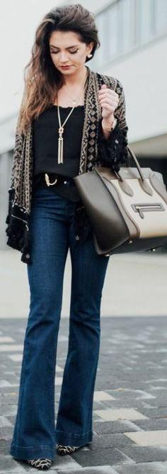 Fflared jeans:  Edited  | top:vinatge | kimono: Zara | booties: Sam Edelman | bag: Céline | belt:  Ralph Lauren | necklaces:  Kate Spade / H & M | earrings:  Tory Burch || did flared jeans || Fashion Hippie Loves #fflared