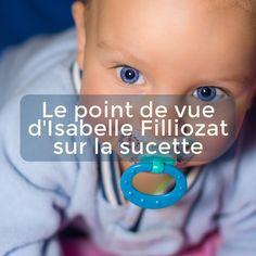 """Dans son livre """"au coeur des émotions de l'enfant"""", Isabelle Filliozat évoque le recours à la sucette selon un point de vue qui ne manque pas d'intérêt. Selon elle, la sucette est surtout utilisée pour calmer les pleurs des bébés qui incommodent les parents."""