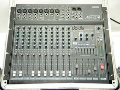 YAMAHA MX12/4 Audio Music MIXER in Case Pro Audio Equipment Gear Components