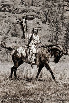 Native american, indian, riding, wild, culture, history, horse, hest, pony, spotted, in the wild, vintage, photograph, photo, sapira