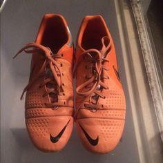 super popular bd6cc ec9e6 Nike tiempo legend soccer cleats Soccer cleats⚽ ❤ Orange Nike tiempos. Used