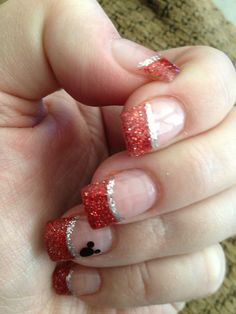 These were my nails for the big day, I used a gel manicure Disney Christmas Nails, Xmas Nails, Holiday Nails, Minnie Mouse Nails, Mickey Mouse Nails, Disney Nail Designs, Cute Nail Designs, Mickey Mouse Nail Design, Disney Inspired Nails