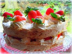 La Difference Catering: Strawberry and Almond Dacquoise Gluten-Free