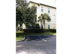 Unfurnished , well maintained, 2/2 condo on 3rd floor with screened in balcony, new double glazed plastic hurricane proof bedroom windows, cathedral ceilings, All appliances are included. Gated, 2 community pools, one solar heated,  tennis CT, golf practice cage, fitness Centre, car wash, and club house, near Disney. move in condition. STR allowed