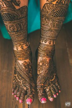 Woww..the intricacy of this Bridal Mehendi