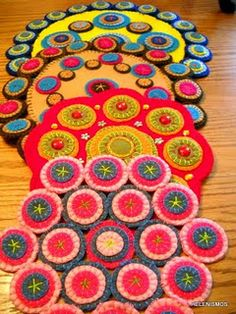 Penny Rugs And Candle Mats Felt Embroidery Lique Felted Wool Crafts