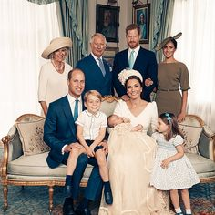 Princess Charlotte Changed Hair Style at Trooping the Colour | PEOPLE.com Princess Alexandra, Princess Eugenie, Princess Margaret, Princess Kate, Princess Charlotte, Royal Family Portrait, Family Portraits, Duchess Of Cornwall, Duchess Of Cambridge