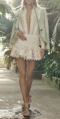 Zimmermann Resort 2019 Fashion Show Collection: See the complete Zimmermann Resort 2019 collection. Look 3 Fashion Mode, Runway Fashion, Fashion Outfits, Fashion Tips, Fashion Design, Fashion Trends, Fasion, Womens Fashion, Woman Outfits