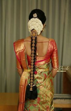 Ideas For Indian Bridal Hairstyles Wedding Blouse Designs South Indian Wedding Hairstyles, Bridal Hairstyle Indian Wedding, Bridal Hair Buns, Bridal Hairdo, Bridal Braids, Indian Hairstyles, Hair Wedding, Indian Wedding Sarees, Bridal Sarees South Indian