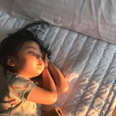 Discovered by baby girl. Find images and videos about cute, korean and baby on We Heart It - the app to get lost in what you love. Cute Asian Babies, Korean Babies, Asian Kids, Cute Babies, Cute Little Baby, Little Babies, Baby Kids, Lil Baby, Baby Boy Newborn