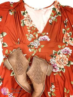 Spring is almost here so get ready for it in this fun floral Dahlia dress! #paisleyraye