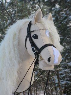 It looks like Goldie! Hobby Horse, Horse Tack, Horse Stables, Horse Head, Stick Horses, Show Horses, Softies, Mama Mia, Afrique Art