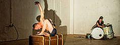 Uraufführung: FIGHT OR FLIGHT - Tanztheaterproduktion wehrtheater/andrea bleikamp - im Freien Werkstatt Theater Köln