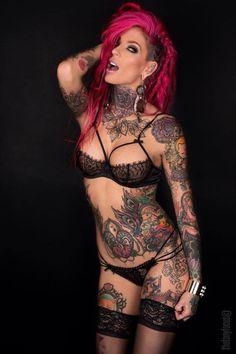 Hot tattooed chick