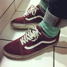 red vans old skool on feet