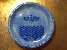 Bee platter