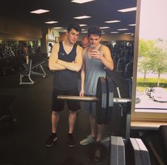 Shawn Mendes in the fitness