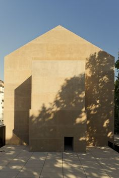 Gallery of Thalia Theatre / Gonçalo Byrne Architects & Barbas Lopes Architects - 10
