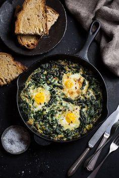 Creamed spinach, breakfast recipes, dinner recipes, egg recipes, cooking re Leek Recipes, Diner Recipes, Cooking Recipes, Healthy Recipes, Snacks Recipes, Recipes Dinner, Breakfast For Dinner, Breakfast Recipes, Avocado Salat