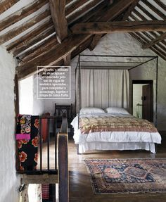 Beams and comfort in the bedroom.