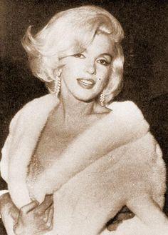 May 19, 1962: Marilyn Monroe sings Happy Birthday Mr. President to John F. Kennedy at Madison Square Garden.