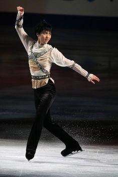 Yuzuru Hanyu of Japan performs his routine in the exhibition during ISU World Figure Skating Championships at Saitama Super Arena on March 30, 2014 in Saitama, Japan.