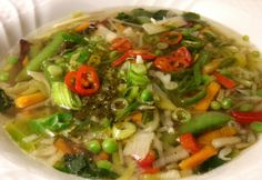 Vietnámi Pho leves marhából Pho, Vietnam, Meat, Chicken, Soups, Cilantro, Soup, Cubs