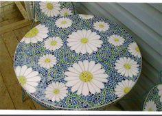 daisy close up, via Flickr.                                                                                                                                                                                 More