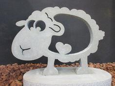 Steinfiguren für den Garten von Onlineshop in Österreich Flatstone Flat Stone, Table Lamp, Home Decor, Special Gifts, Gift Wedding, Stones, Table Lamps, Decoration Home, Room Decor