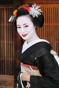 Maiko Katsumi (retired) of Gion Kobu