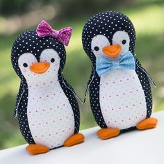 The penguins are always one of my favourite animals to visit at the zoo or aquarium. Piper and Pete are the cutest little penguin couple who have found in each other their partner for life, as is the adorable penguin way! These cuties are nice and quick to make so you can have a whole...
