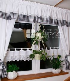 50 Best Modern Kitchen Design Ideas - The Trending House Ruffle Curtains, Cute Curtains, Valance Curtains, Rustic Kitchen Design, Shabby Chic Kitchen, Shabby Chic Homes, Rideaux Design, Hippie Home Decor, Curtain Designs