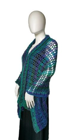 Free Crochet Shawl Pattern!  Coraline in Spain is a stunning and elegant design you'll love.