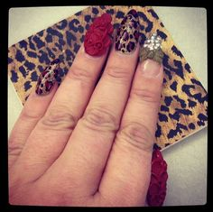 Stiletto nails / acrylic flower / nail art / nail design / nail polish / nails / oval nails /
