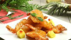Krokante Garnalen Met Ananassaus | Smaak Show Pineapple Sauce, Pineapple Chicken, Roasted Chicken Legs, Chicken And Shrimp, Panko Crumbs, Recipe 30, Scampi, Asian Recipes, Kitchens