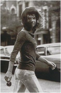 Jackie O spotted on NYC street - classic photograph