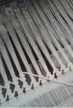 more like drawn thread I think ----------------------------------------- looks a little like ladder hemstitching on a loom to me. Weaving Textiles, Weaving Art, Weaving Patterns, Tapestry Weaving, Loom Weaving, Bordados E Cia, Swedish Weaving, Drawn Thread, Weaving Projects