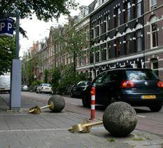 urban concrete ball earring by Liesbeth Bussche