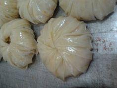 """بسطيلة بالحوت، طريقة جديدة و سهلة Moroccan """"BESTILA"""" Pastilla (Video shows a beautiful way to fold mini pastilla)"""