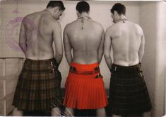 Men in Kilts page. A celebration of hunky guys in kilts. Men in Kilts. Scottish Man, Scottish Kilts, Men In Kilts, Komplette Outfits, Beautiful Men, Beautiful People, Beautiful Pictures, Hot Guys, Hot Men