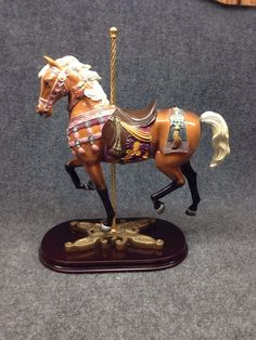 The Kronemann Carousel Collection Edelweiss Trotter Vanmark Horse Figurine