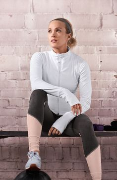I wish I didn't love living in workout clothes and actually wore the nice shit I buy Fitness Outfits, Fitness Fashion, Fitness Wear, Carrie Underwood Pictures, Calia By Carrie, Workout Wear, Workout Outfits, Workout Tanks, Cozy Fashion